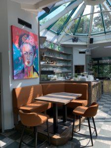 Pader-Café-Innenbereich_mit_Frida_Kahlo