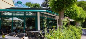 Pader Café Terrasse an einem schönen Tag